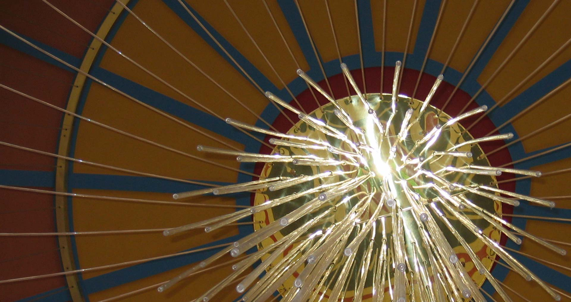 A closeup photo of the chandelier light rope details
